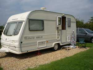 1999 Avondale Rialto 480-2L,  2 berth,  'L' lounge, excellent condition.